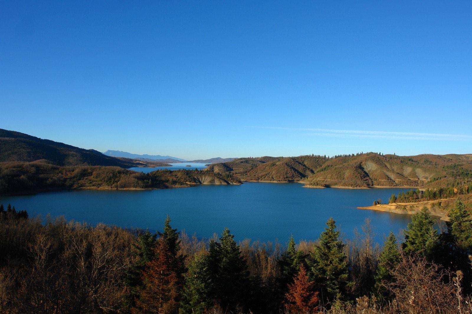 Λίμνη αξίζει να γίνει
